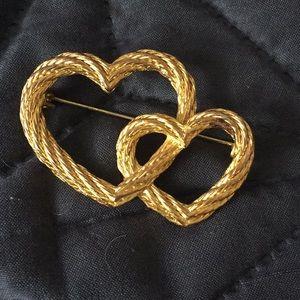 Jewelry - Heart pin